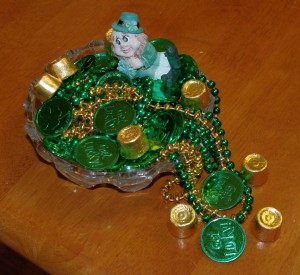 Simple St. Pat's Day Leprechaun and Treasure Display