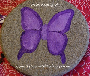 Handpainted Stepping Stone How-To Add Highlights