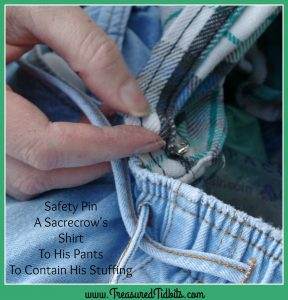 zero-budget-scarecrow-how-to-safety-pin-tip