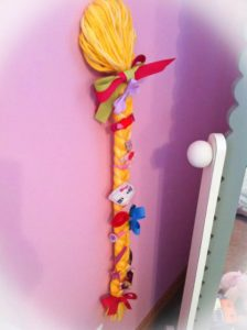 braided-hair-accessories-organizer