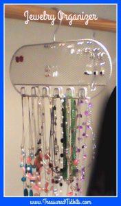 clever closet rod jewelry organizer