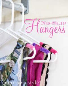 no-slip-hangers-diy-clever closet rod organization